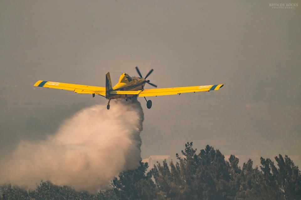 Vliegtuig blust brand Helderberg Somerset West